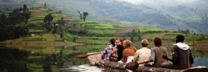 Lake_bunyonyi_canoeing
